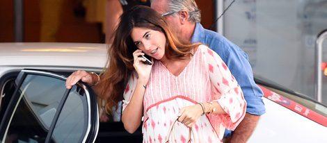 Lourdes Montes visita a su marido Fran Rivera en el Hospital Quirón de Zaragoza