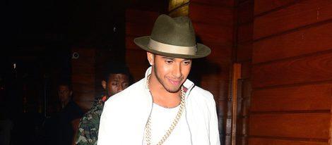 Lewis Hamilton saliendo de un pub de Nueva York tras pasar la noche con Rihanna