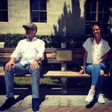 Risto Mejide y Laura Escanes en el banco de 'Forrest Gump' en Hollywood