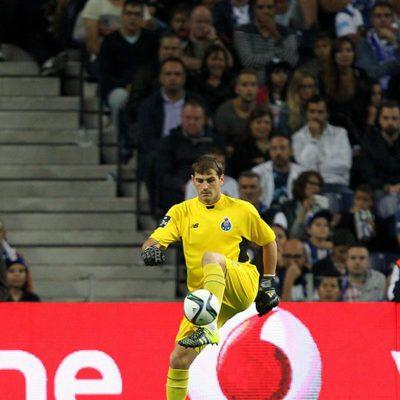 Iker Casillas en su primer partido de la Liga portuguesa con el Oporto