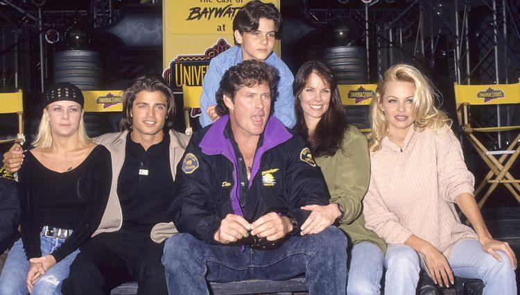 Los miembros del elenco original de 'Los Vigilantes de la Playa'