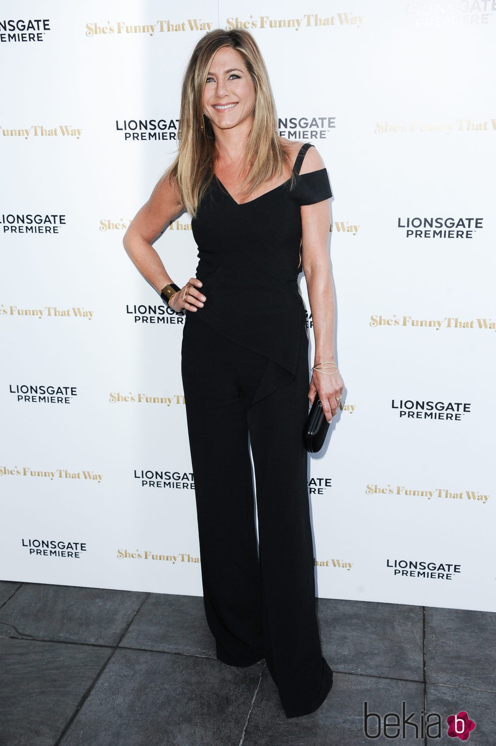Jennifer Aniston en la premiere de 'Lío en Broadway' en Los Angeles
