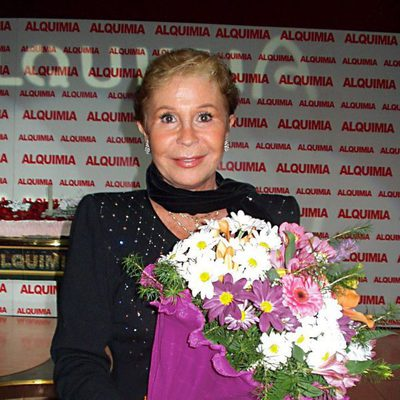 Lina Morgan recibiendo un homenaje en 2003
