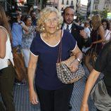 Manuela Carmena en la capilla ardiente de Lina Morgan