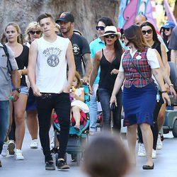 Los Beckham disfrutan de un día en familia en Disneyland