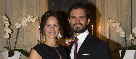 Los Príncipes Carlos Felipe y Sofía de Suecia en una cena oficial en el Ducado de Värmland