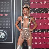 Miley Cyrus en la alfombra roja de los Video Music Awards 2015