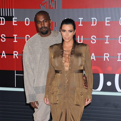 Kim Kardashian y Kanye West en los Video Music Awards 2015