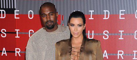 Kim Kardashian y Kanye West en los Video Music Awards 2015