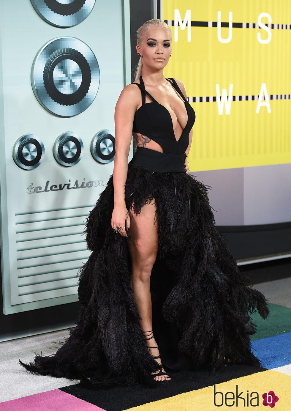 Rita Ora en los Video Music Awards 2015