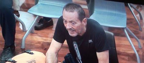Julián Muñoz sentado ante el juez con un aspecto muy demacrado