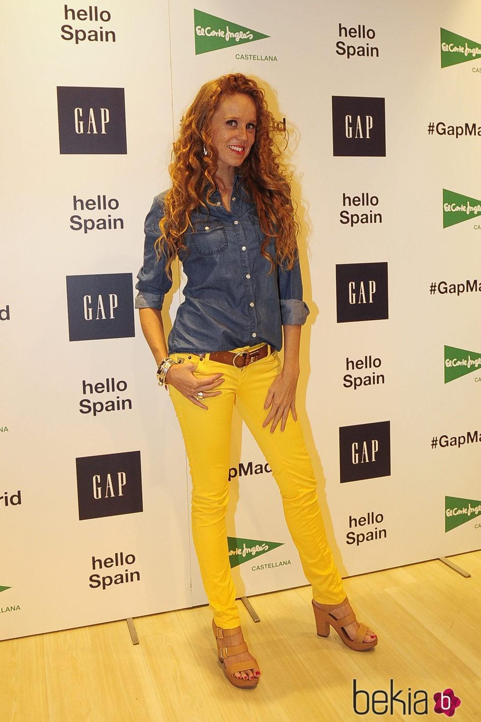 María Castro en la inauguración de un espacio de la firma GAP