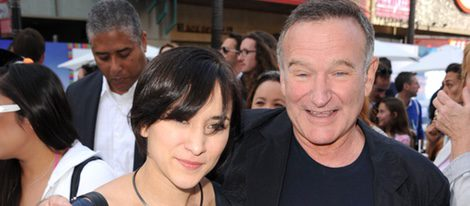 Robin Williams con su hija Zelda Williams en un estreno