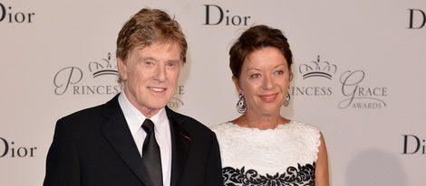 Robert Redford y su mujer Sibylle Szaggars en los Premios Princesa Grace en Mónaco