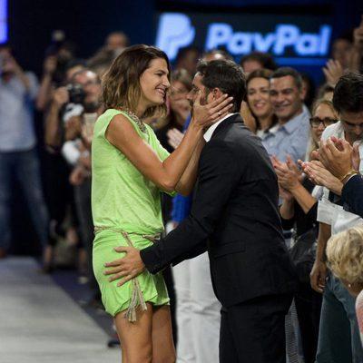 Laura Sánchez y David Ascanio muy cariñosos en el desfile de Bloomers en Madrid Fashion Show