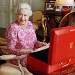 Foto oficial de la Reina Isabel II en el día en el que logró el reinado más largo de la historia de Reino Unido