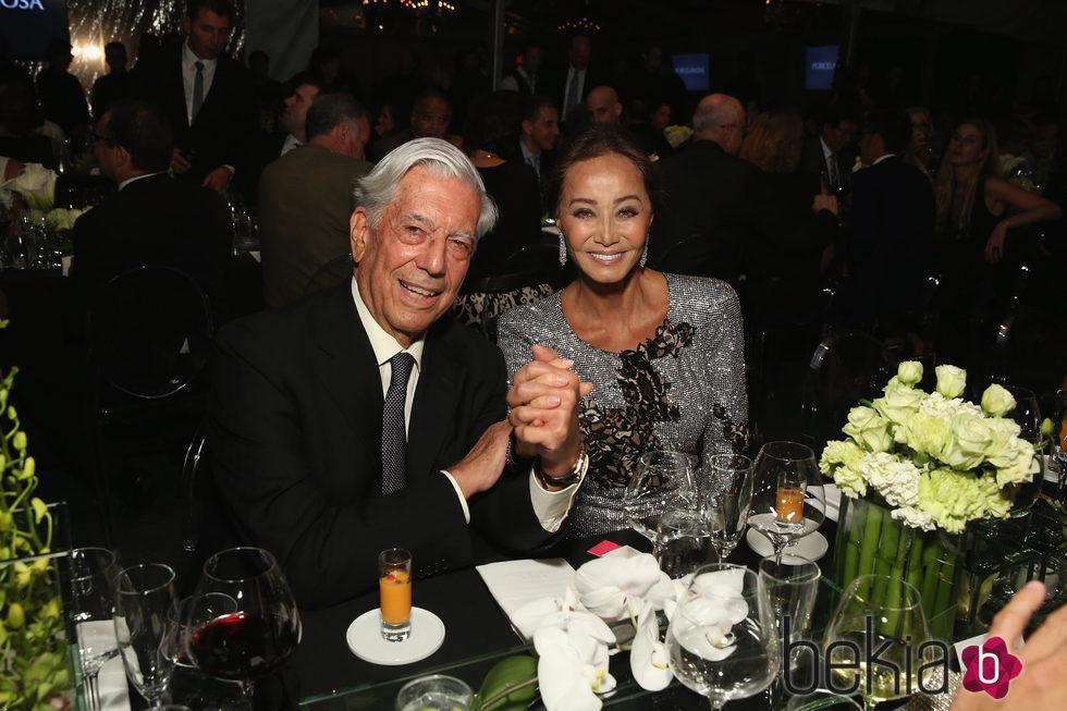 Isabel Preysler y Mario Vargas Llosa se estrenan como pareja en Nueva York