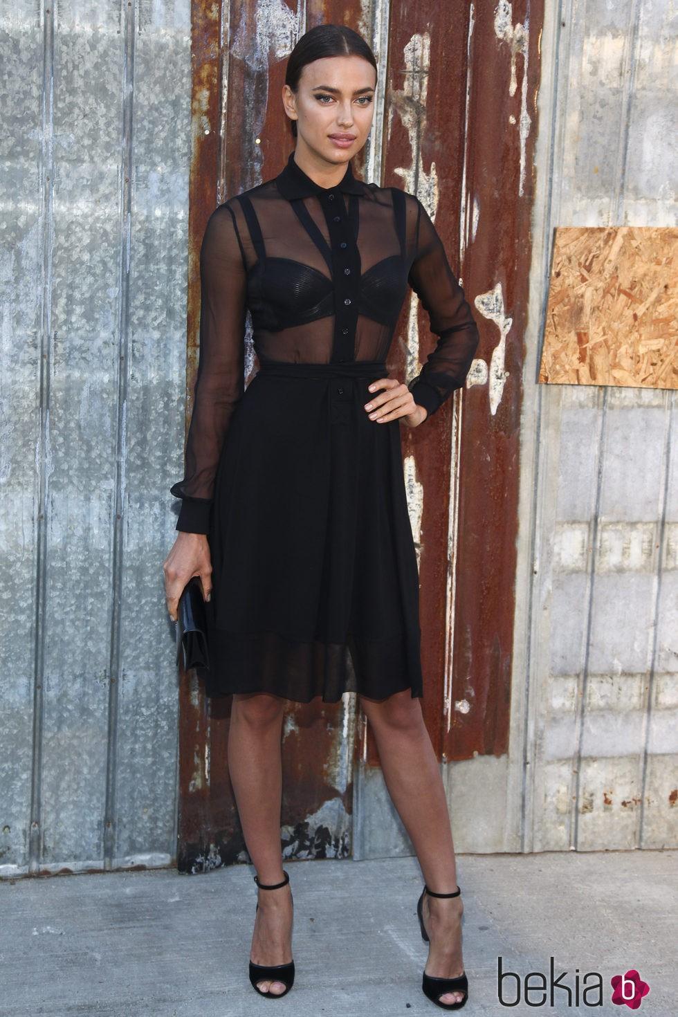 Irina Shayk en el desfile de Givenchy en la Nueva York Fashion Week primavera/verano 2016