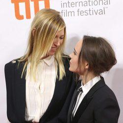 Ellen Page y su pareja Samantha Thomas derrochan pasión en el Festival de Cine de Toronto