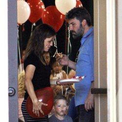 Ben Affleck y Jennifer Garner con su hijo Samuel