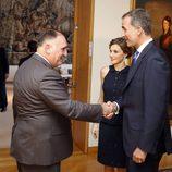 Los Reyes Felipe y Letizia saludan a José Andrés en Washington