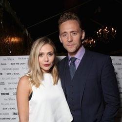 Elizabeth Olsen y Tom Hiddleston en el Festival de Cine de Toronto