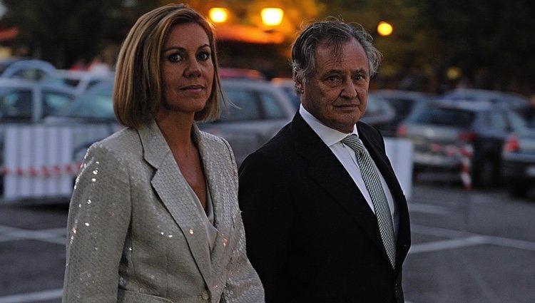 María Dolores de Cospedal e Ignacio López del Hierro en la boda de Javier Maroto y Josema Rodríguez