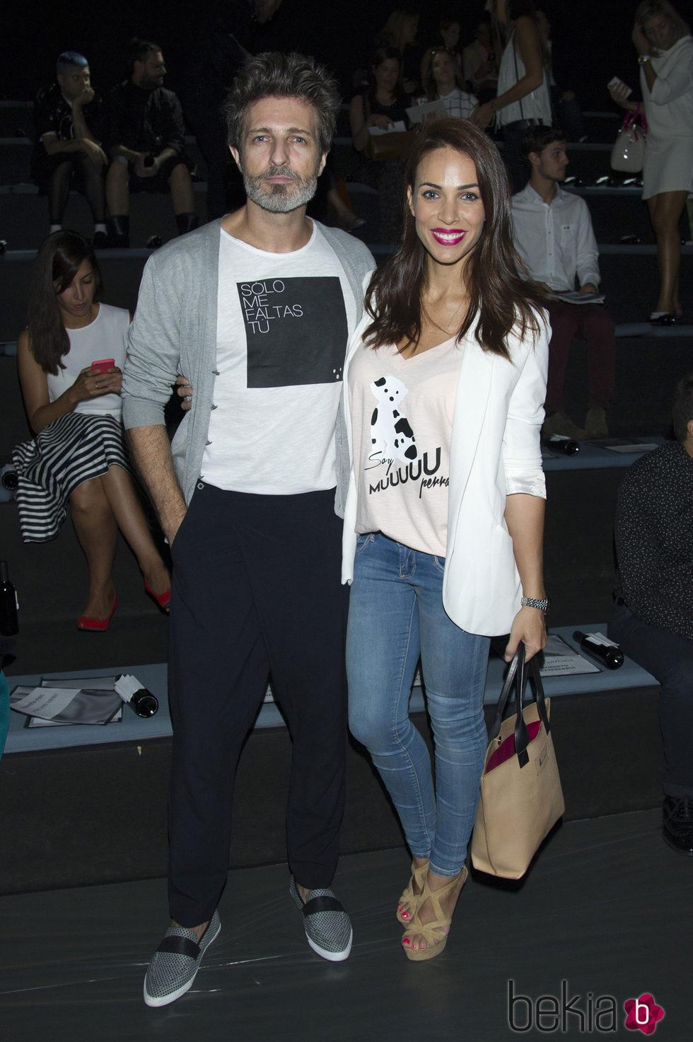 Jesús Olmedo y Nerea Garmendia en el front row de Amaya Arzuaga en Madrid Fashion Week primavera/verano 2015