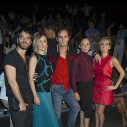 Alfonso Bassave, Nathalie Poza, Asier Etxeandía, Leonor Watling y Kira Miró en el front row de Amaya Arzuaga en Madrid Fashion Week primavera/verano 2015