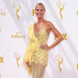 Heidi Klum en la alfombra roja de los premios Emmy 2015