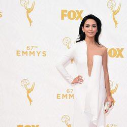Nazanin Boniadi en la alfombra roja de los premios Emmy 2015