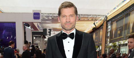 Nicolaj Coster en la alfombra roja de los premios Emmy 2015