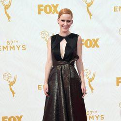 Rachel Brosnahan en la alfombra roja de los premios Emmy 2015