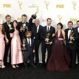 El elenco de 'Juego de Tronos' celebrando su triunfo en los Emmy 2015