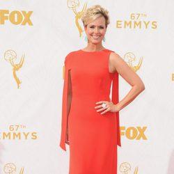 Melora Hardin en la alfombra roja de los Emmy 2015