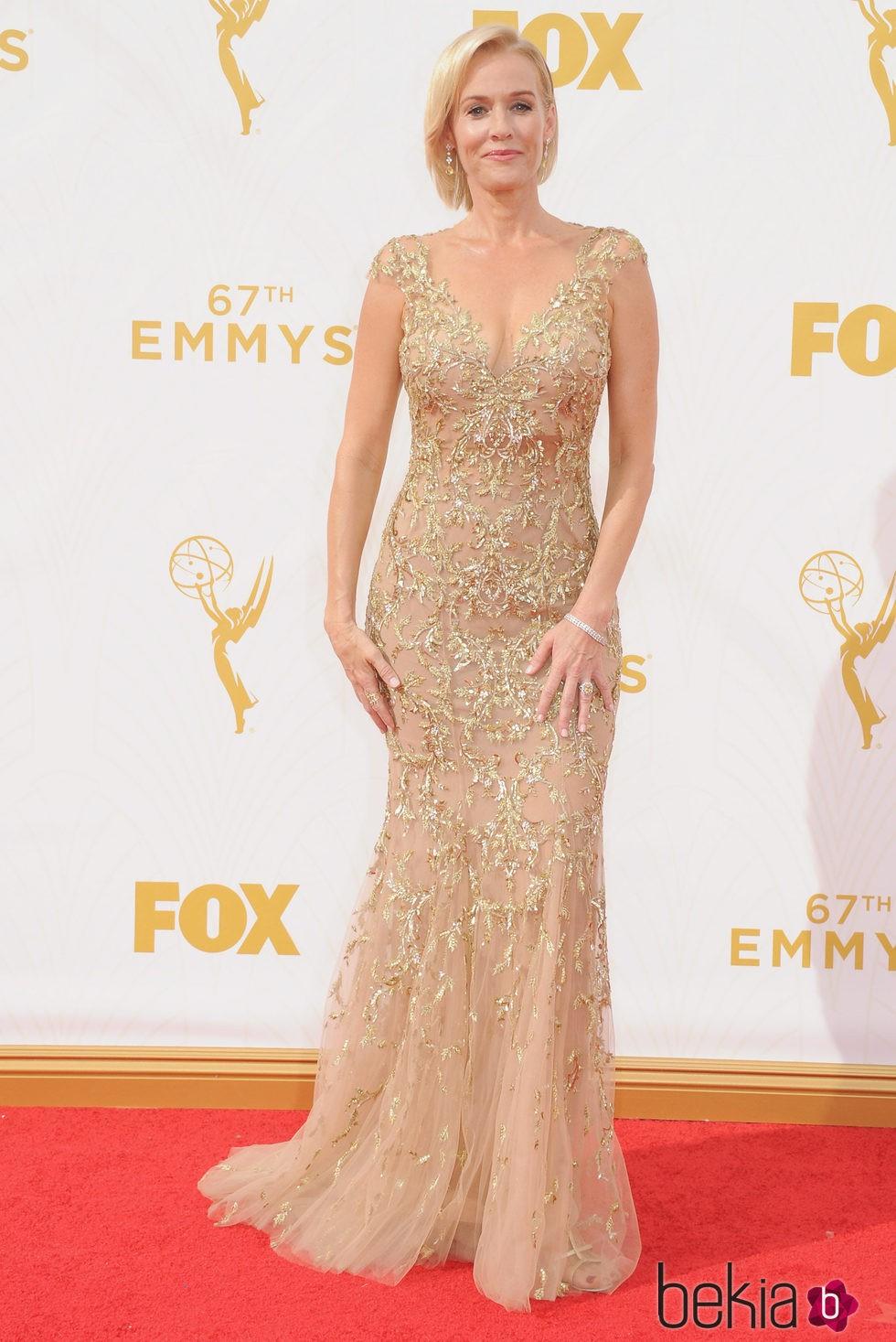 Penelope Ann Miller en la alfombra roja de los premios Emmy 2015
