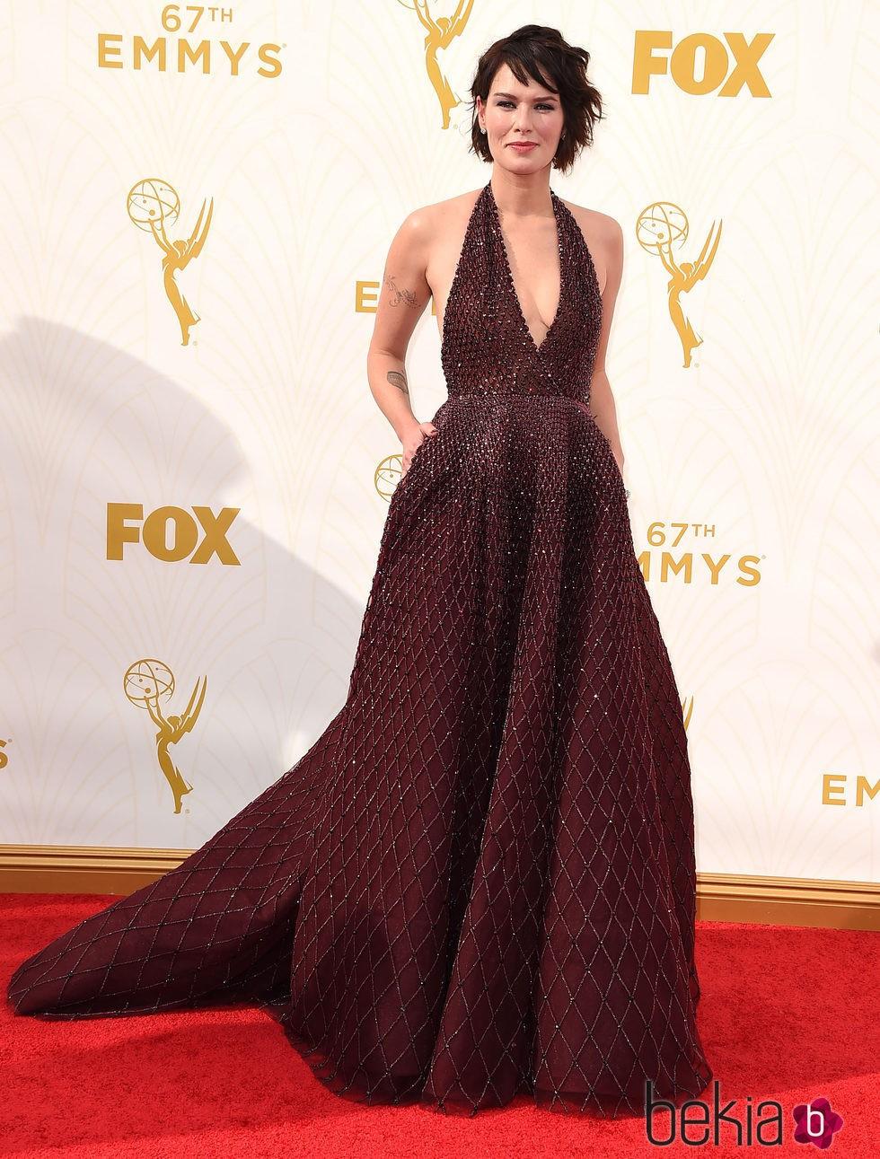 Lena Headay en la alfombra roja de los Emmy 2015