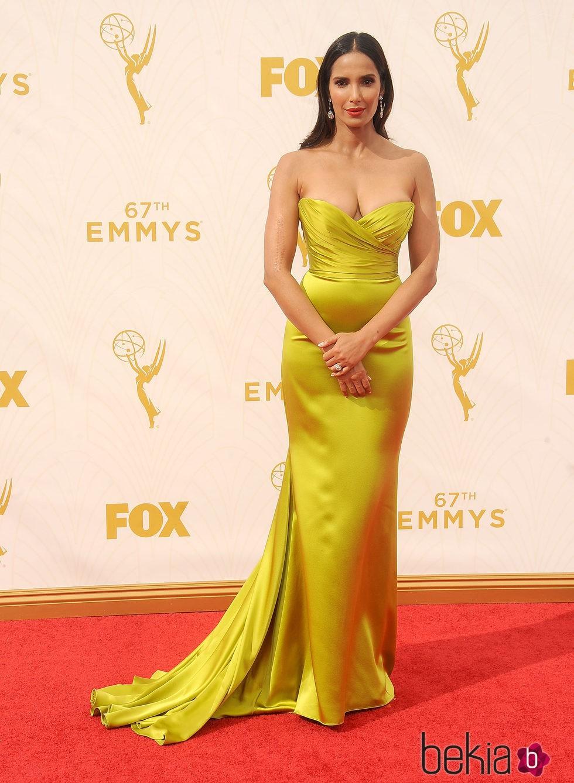 Padma Lakshmi en la alfombra roja de los premios Emmy