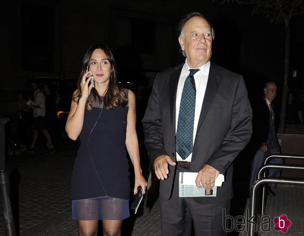 Tamara Falcó con su padre Carlos Falcó en el inicio de la temporada de ópera 2015