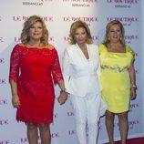 Terelu Campos con María Teresa Campos y Carmen Borrego en su 50 cumpleaños