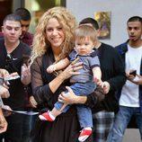 Shakira con su hijo Sasha en Nueva York