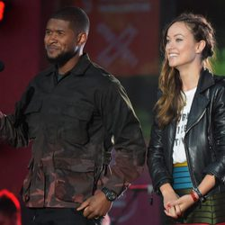 Usher y Olivia Wilde en el Global Citizen Festival 2015