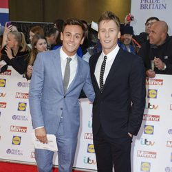 Tom Daley y Dustin Lance Black en los Pride of Britain Awards 2015