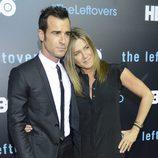 Jennifer Aniston y su marido Justin Theroux en su primera aparición en la alfombra roja