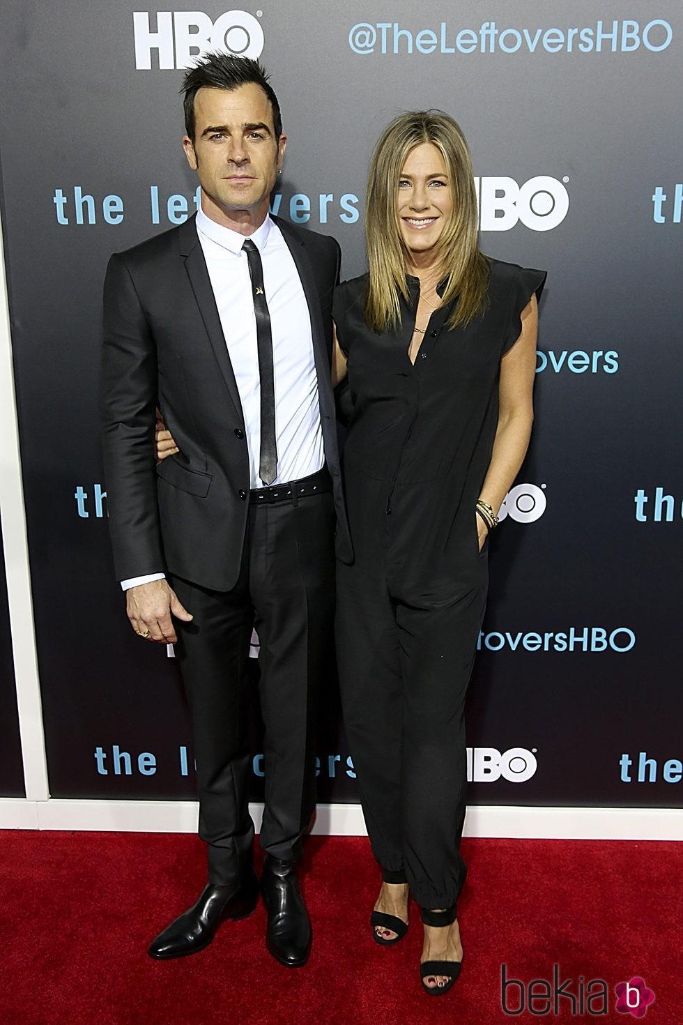 Jennifer Aniston y Justin Theroux juntos en su primera alfombra roja como casados