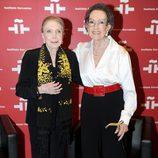 Amparo Rivelles y María Dolores Pradera en el homenaje a Amparo Rivelles en el Cervantes