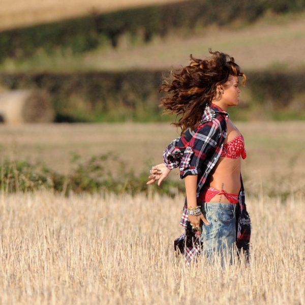 Rihanna en la grabación de su nuevo videoclip 'We found love'
