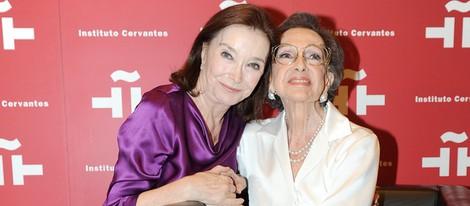 Nuria Espert arropa a Amparo Rivelles en su homenaje en el Cervantes