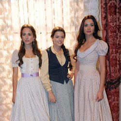 Silvia Alonso, Adriana Torrebejano y Dafne Fernández en la presentación de la segunda temporada de 'Tierra de lobos'