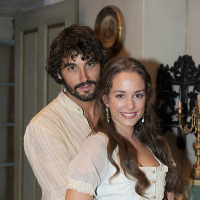 Silvia Alonso y Álex García en la presentación de la segunda temporada de 'Tierra de lobos'